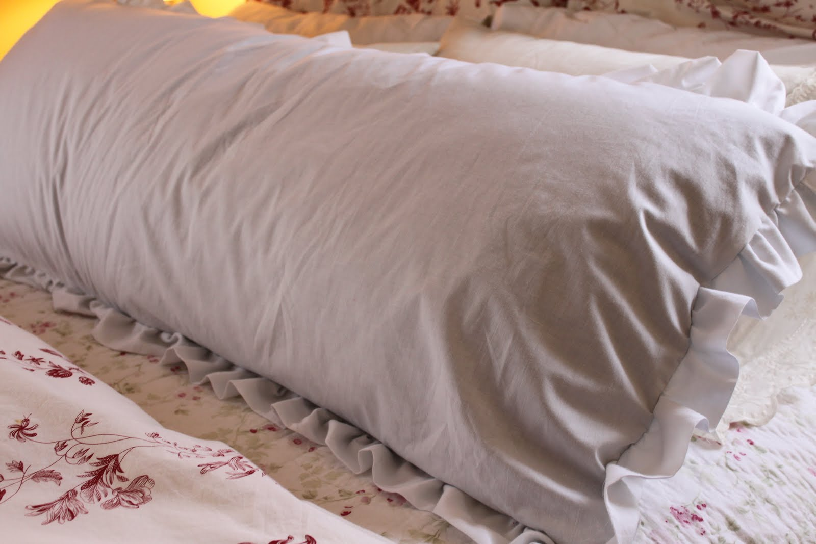 do it yourself divas: DIY: Body Pillow Cover