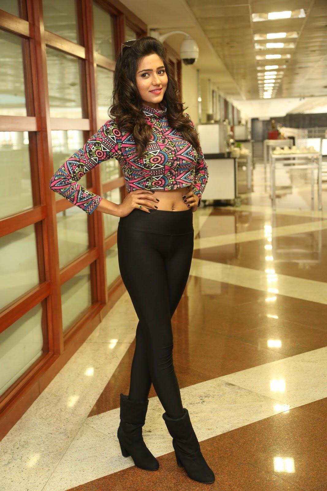 shalu chaurasiya latest sizzling pics-HQ-Photo-17