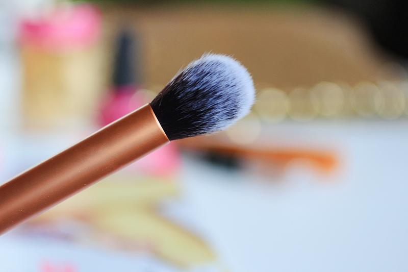 real techniques contour brush review