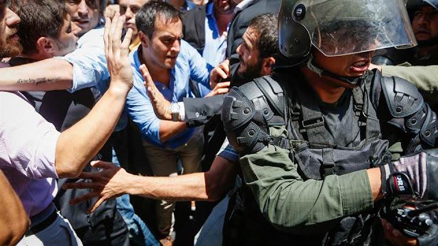 Estado de sitio no declarado en Argentina: caos social, represión y ausencia de Estado de Derecho