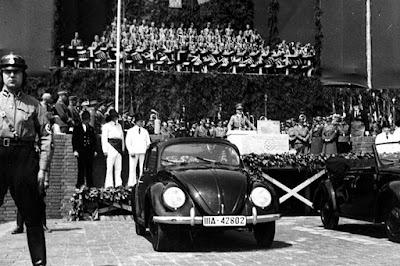 El coche del pueblo, el coche que soñó Hitler para la felicidad del pueblo alemán; la curiosa historia de los Volkswagen