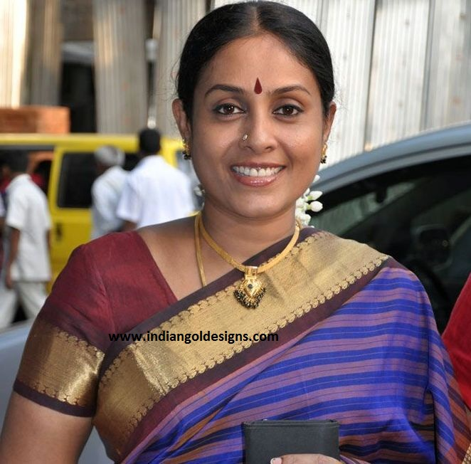 Ponvannan: Indiangoldesigns.com: Actress Saranya Ponvannan In Antique