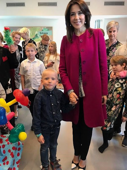 Crown Princess Mary wore Goat Fashion Wool Crepe Coat, Gianvito Rossi 100 Patent Pump for at the Aarhus University Hospital event
