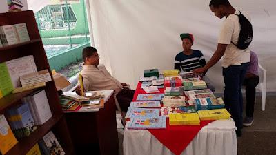 I Feria del Libro Sancristobalense, dedicada al escritor Diógenes Valdez
