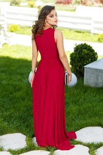Rochie Aneesa rosie, lunga cu broderie florala la bust2