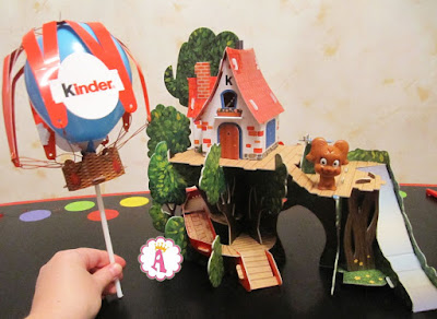 Воздушный шар и домик Киндер Сюрприз