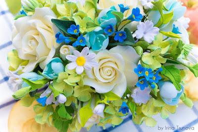 Платье в розах и Арт-цветы Ирины