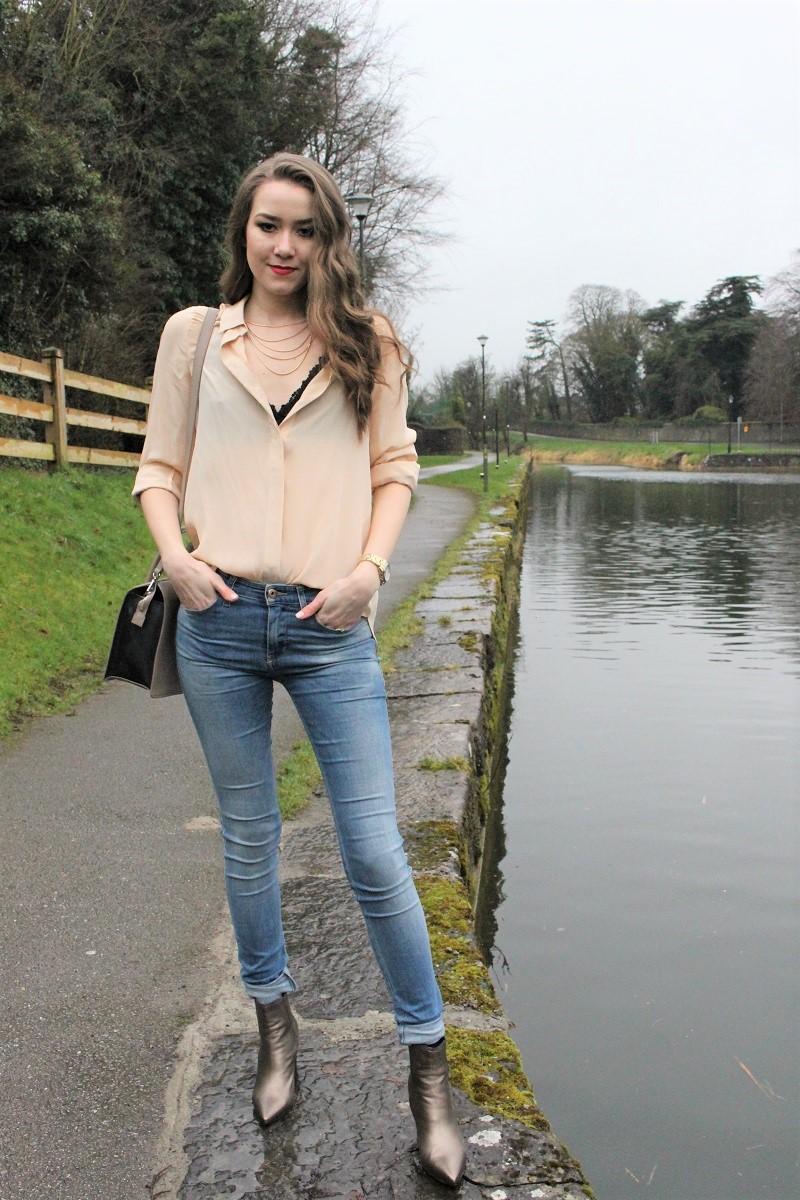 how to wear lace bra