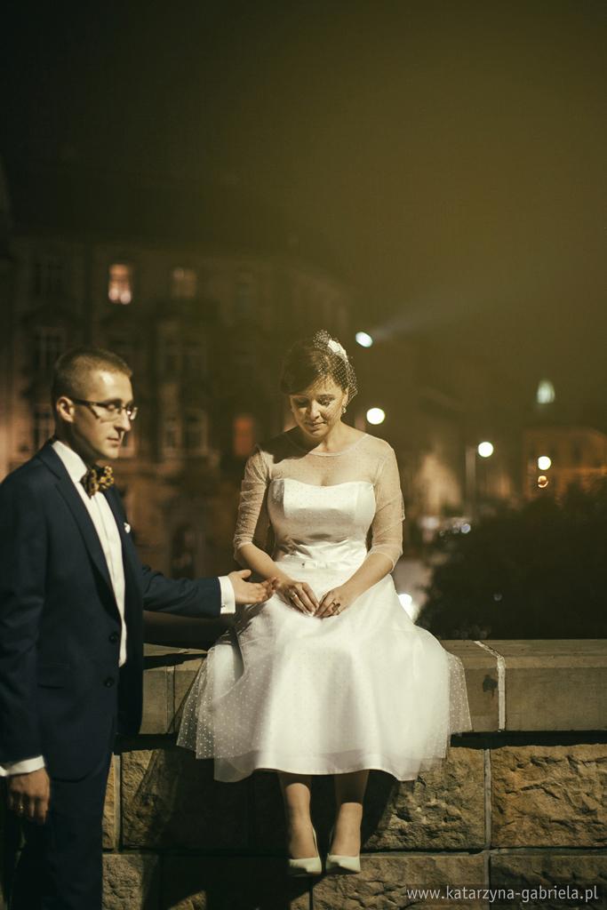 Ania i Jarek, reportaż ślubny, nocny plener ślubny, nokturn, artystyczna fotografia ślubna, Kraków, fotografia ślubna Bochnia,