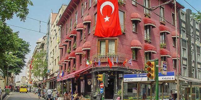 Σε ελεύθερη πτώση η Τουρκία
