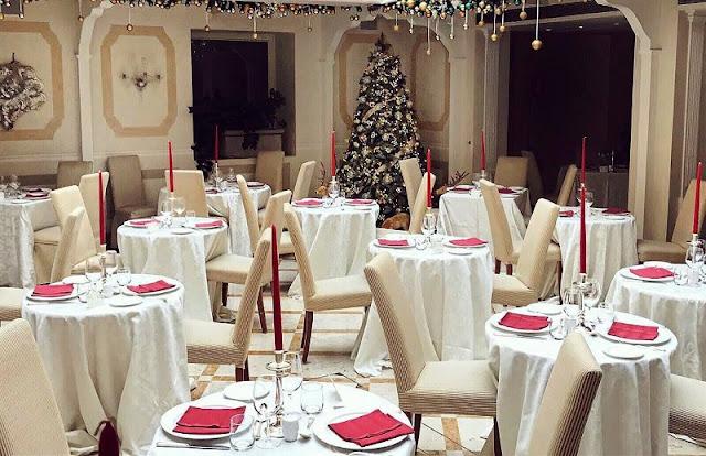 Restaurante de Veneza decorado para o Ano Novo
