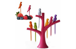 Birdie Plastic Fruit Fork Set 7-Pieces For Rs 50 Free Ship at Amazon