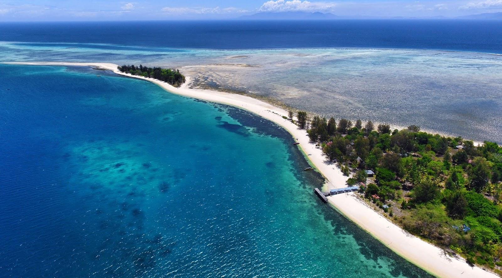 wisata indonesia terbaik di dunia wisata indonesia tengah pulau indah pasir putih