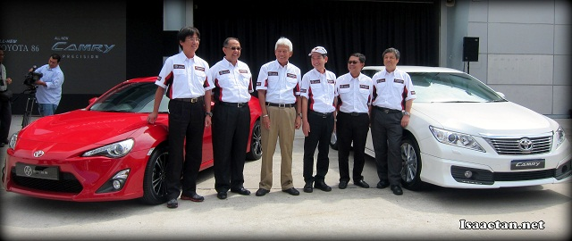 Toyota top management with the chief engineers for both Toyota Camry and 86 at the official launch