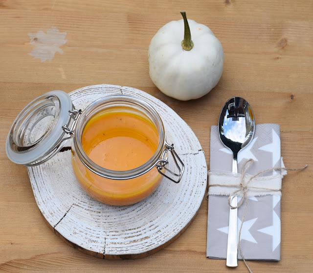 Kürbissuppe im Glas statt Teller