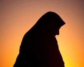 Puisi Tentang IBU MUSLIMAH