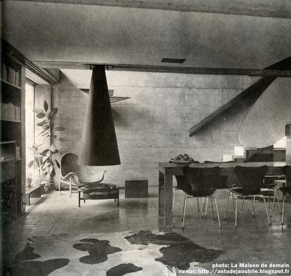 Saint-Rémy-lès-Chevreuse - Maison Atelier de Marta Pan et d'André Wogenscky  Architecte: André Wogenscky  Sculptures:  Marta Pan  Construction: 1952