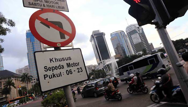 Wartawan Senior: Pergub Ahok yang Mulai Larang Motor di Jalan Thamrin, Tapi Doyan Pajaknya!