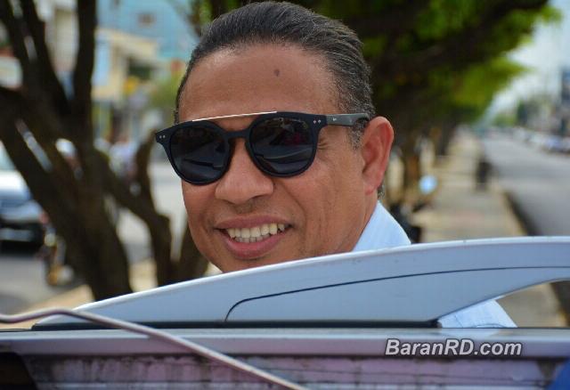 El alcalde Alex Díaz