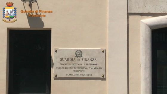 Operazione Cavaliere nero - Frode all'ingrosso con truffe e fatture false per 35 milioni di euro