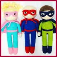 Conjunto de super héroes amigurumi