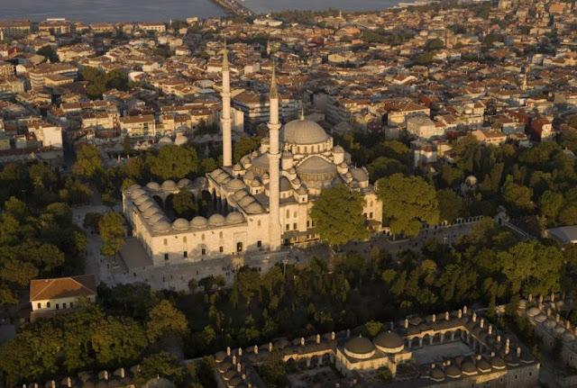 Saat Masjid Jadi Jantung Peradaban