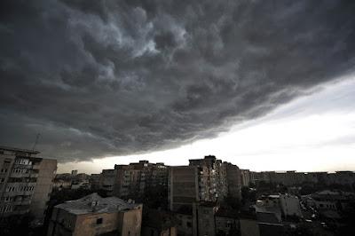 vihar, ítéletidő, villámcsapás, Románia, extrém időjárás, viharkárok