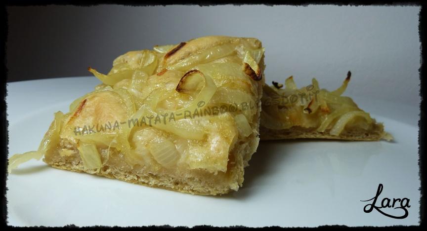 http://cucinaconlara.blogspot.it/2014/07/focaccia-con-cipolle.html