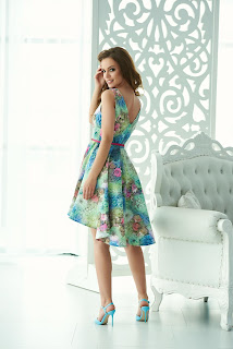 rochie-cocheta-de-vara-cu-imprimeuri-florale-5