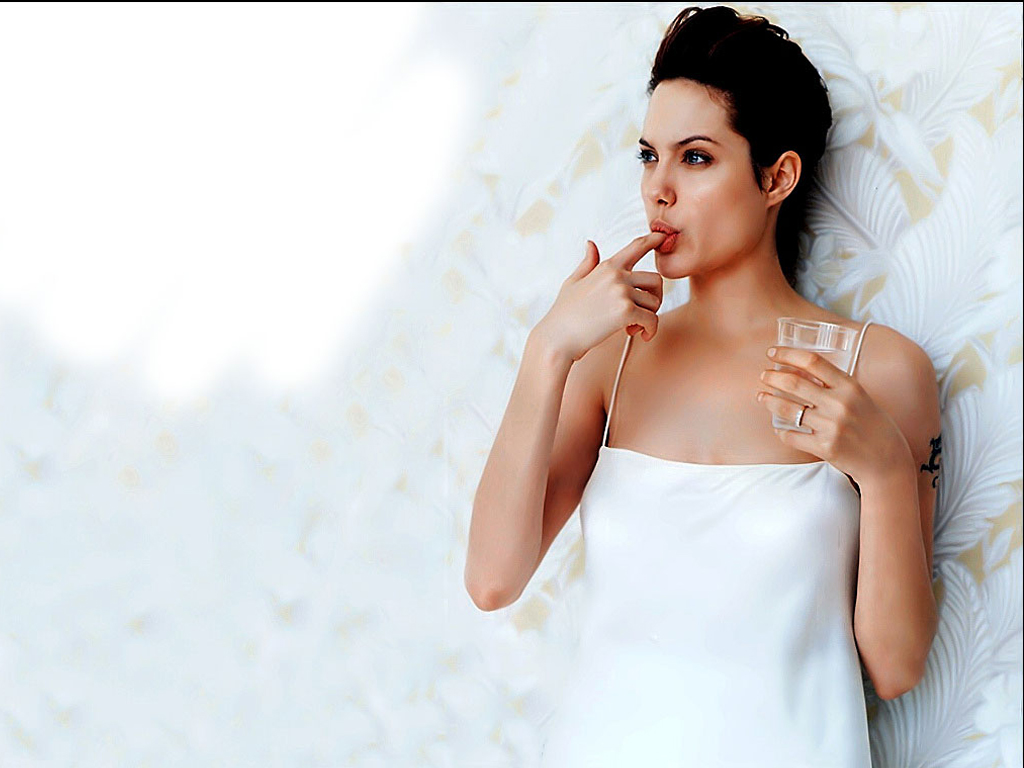 Angelina Jolie HD Walpaper   Big Tits Asian