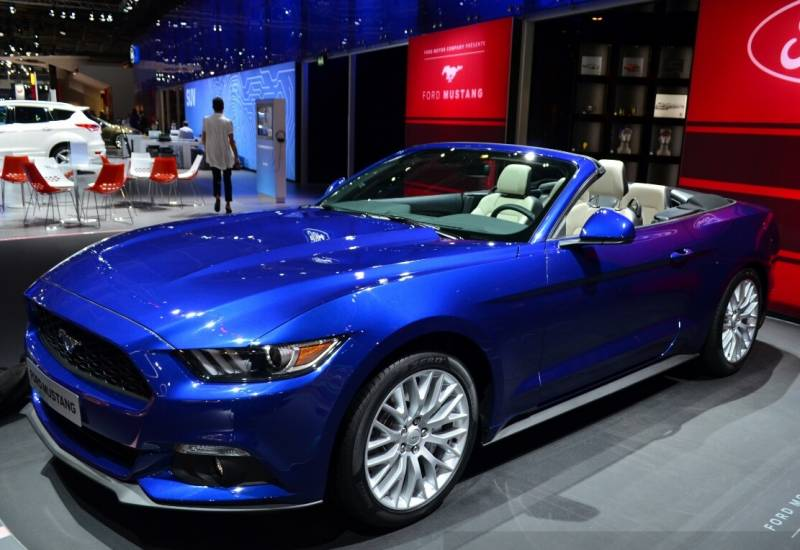 ford mustang gt premium convertible 2017 future cars. Black Bedroom Furniture Sets. Home Design Ideas