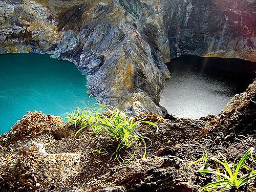 بحيرات جبل كيليموتو