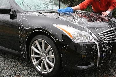 Melihat kendaraan beroda empat higienis dan kinclong tentunya sesudah dicuci sanggup menjadi kesenangan tersend Tips Mencuci Mobil yang Tepat