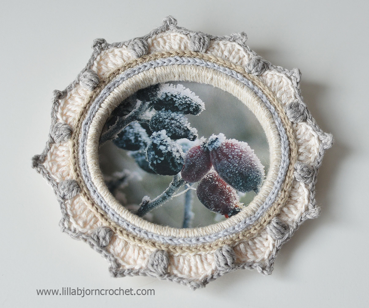 How to turn embroidery hoops into photo frames with crochet - tutorial by Lilla Bjorn Crochet
