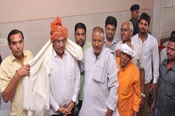 राजीव कालोनी Ward-1 में में उद्योग मंत्री विपुल गोयल का हुआ जोरदार स्वागत