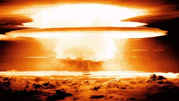 Πώς μια πυρηνική έκρηξη επιδρά πάνω σε ένα... αυτοκίνητο - Βίντεο