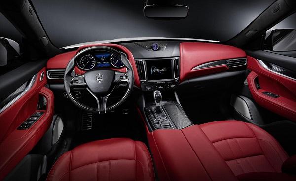 Interior Maserati Levante