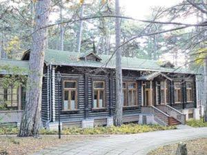 Госдача №3 построена в 1948 году в Малой Сосновке по желанию Сталина