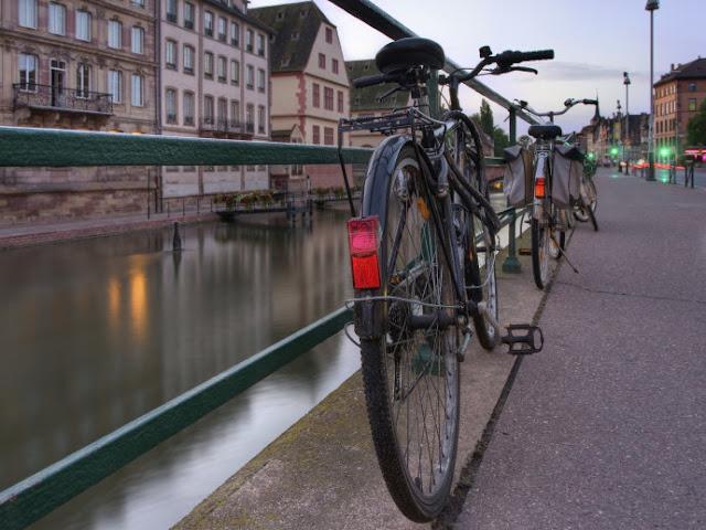 Andar de bicicleta em Estrasburgo, França