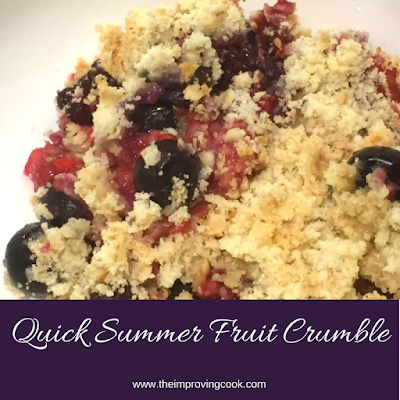 Quick Summer Fruit Crumble pinnable image