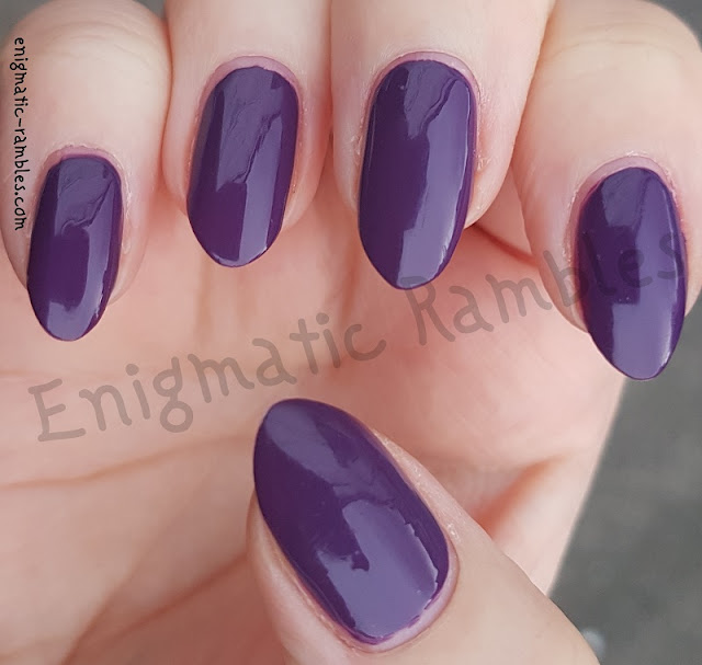 Swatch-Avon-Mark-Gel-Shine-Purplicious