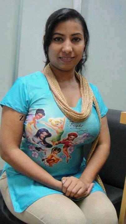 Indian Aunties With Huge Boobs !! oooops !!