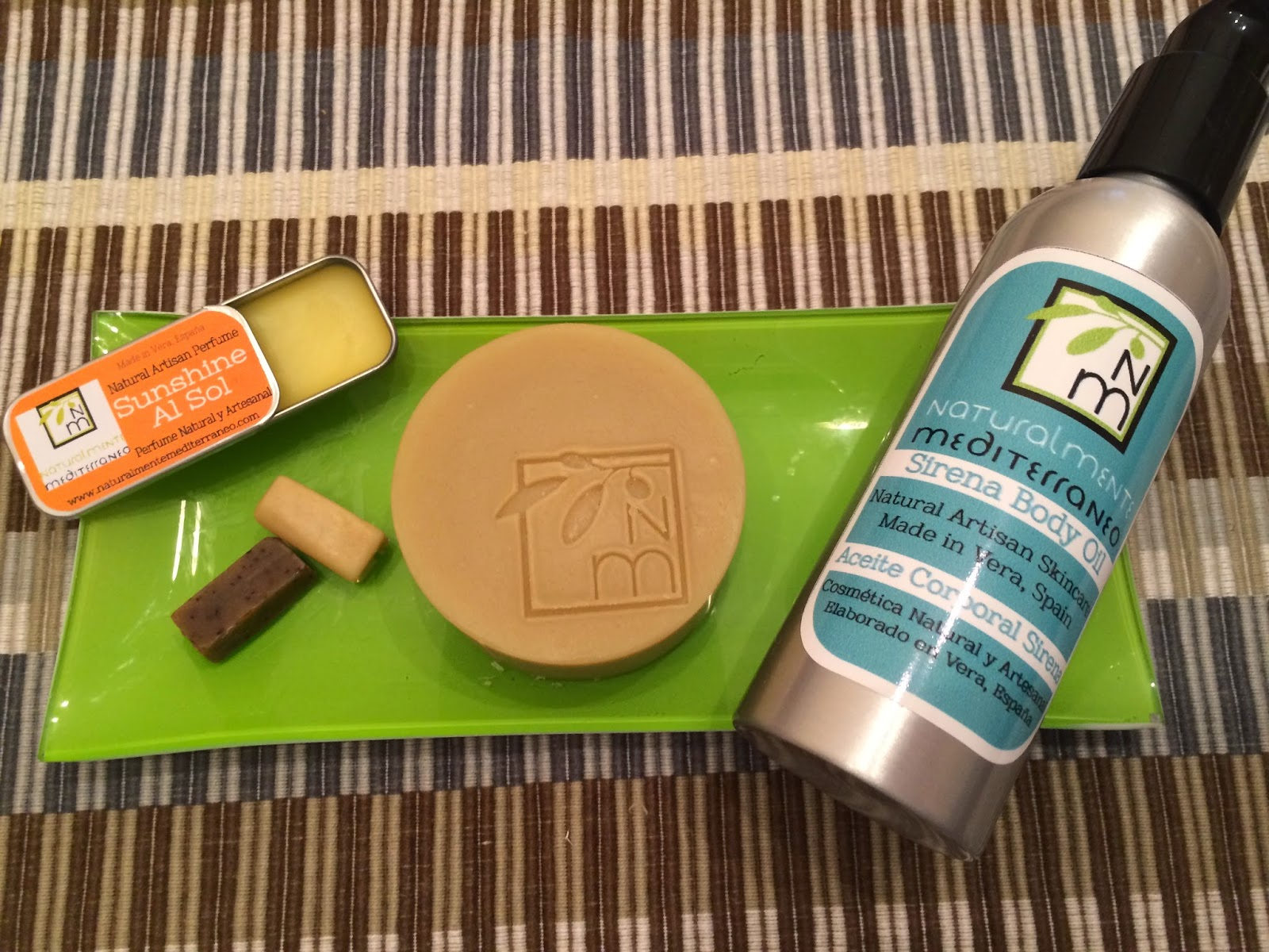 aceite corporal, espuma de afeitar y perfume artesano