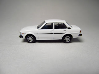 Tomica Limited Vintage Toyota Corolla 1500 GL