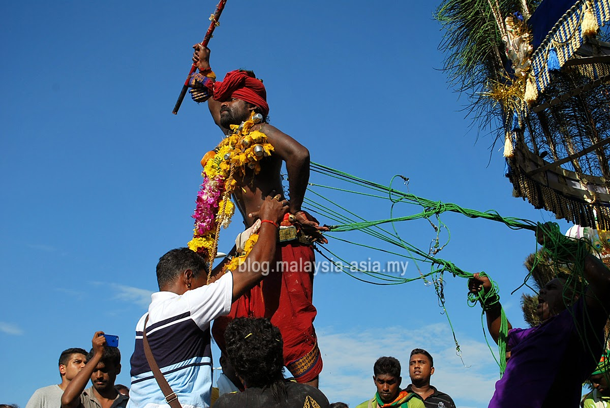 Thaipusam Devotees in Trance Photo