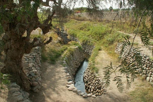 Canales de irrigación en Nasca