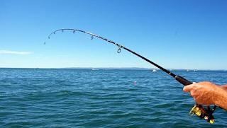 Πήγαν για ψάρεμα και έπιασαν ένα αλλόκοτο τέρας