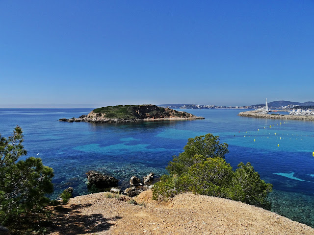 zatoki na Majorce, czysta woda, piękne widoki