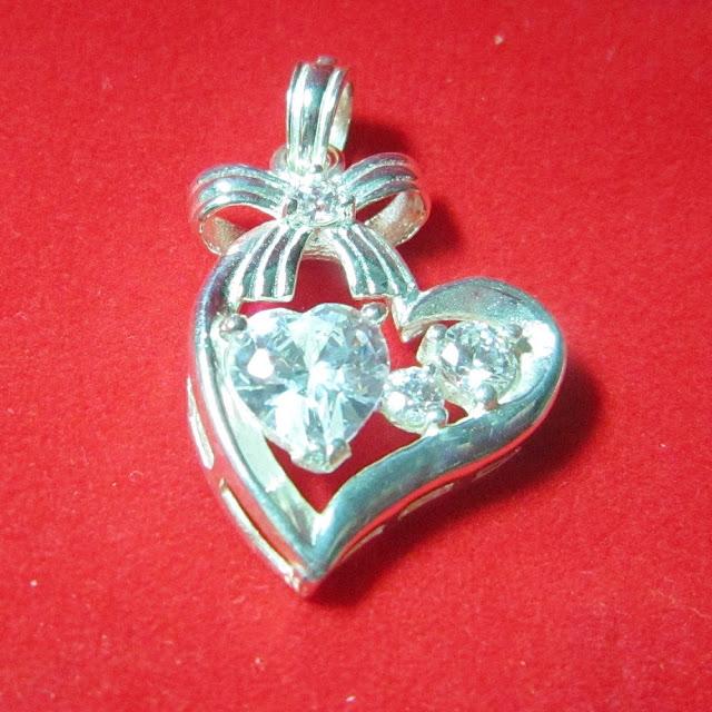 www.trangsuc.top - Mặt dây chuyền hình trái tim M003 - Giá: 255,000 VNĐ - Liên hệ mua hàng: 0906846366(Mr.Giang)
