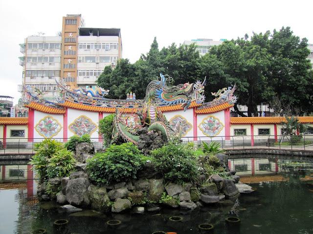 baoan temple garden taipei taiwan
